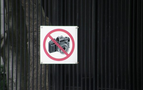Sign 600x380 - 4 Places Around the World Where It's Forbidden to Take Photos